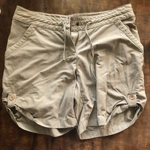 Merrell khaki shorts: size 8